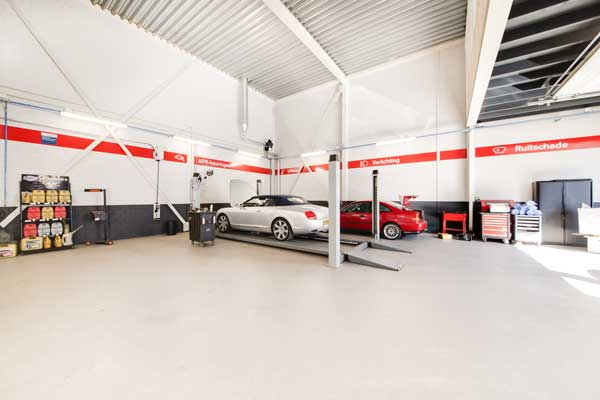 Trowel floor in the automotive sector