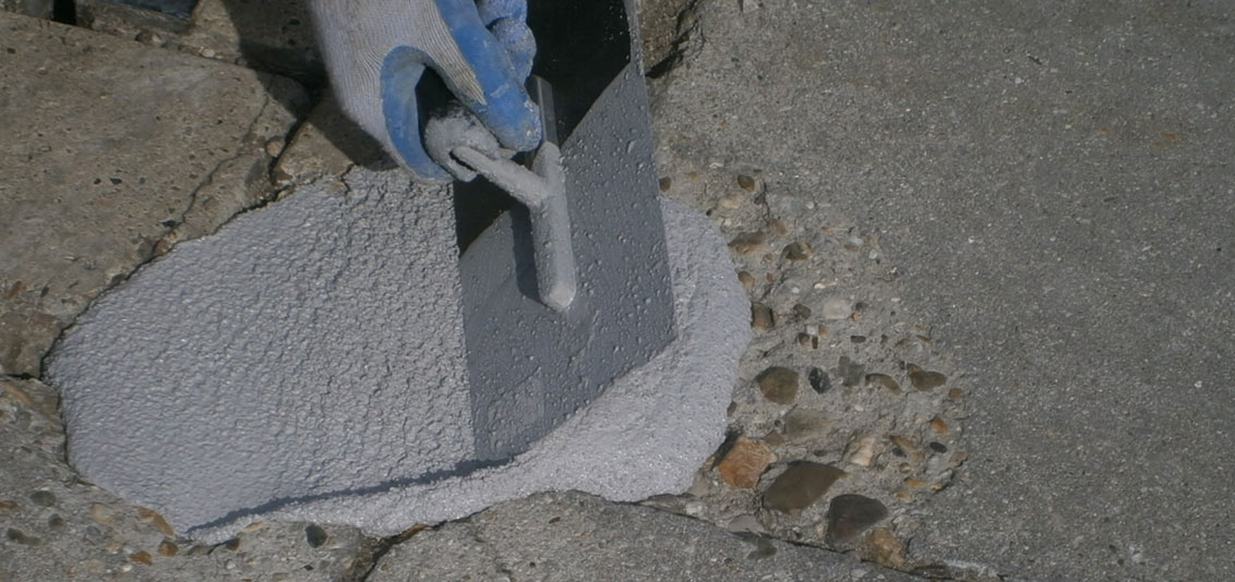 Toepassing betonreparatiemassa epoxy basis