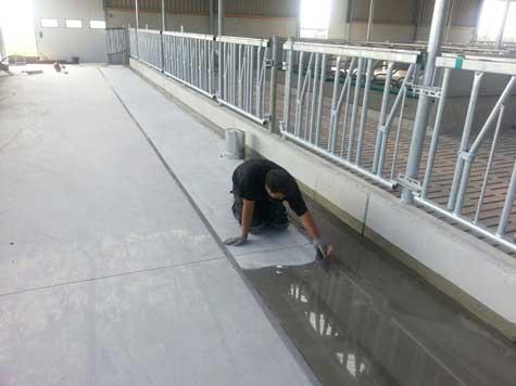 Liquidproof floor