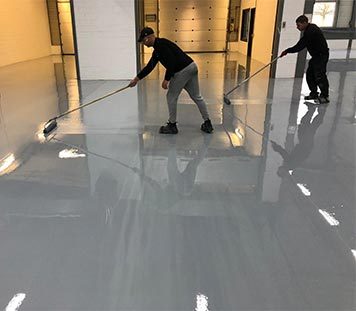Lay epoxy floor