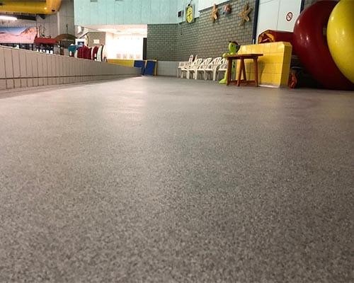 Swimming pool floor cast floor