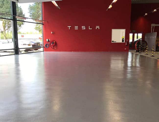Gietvloer bij Tesla in Duiven
